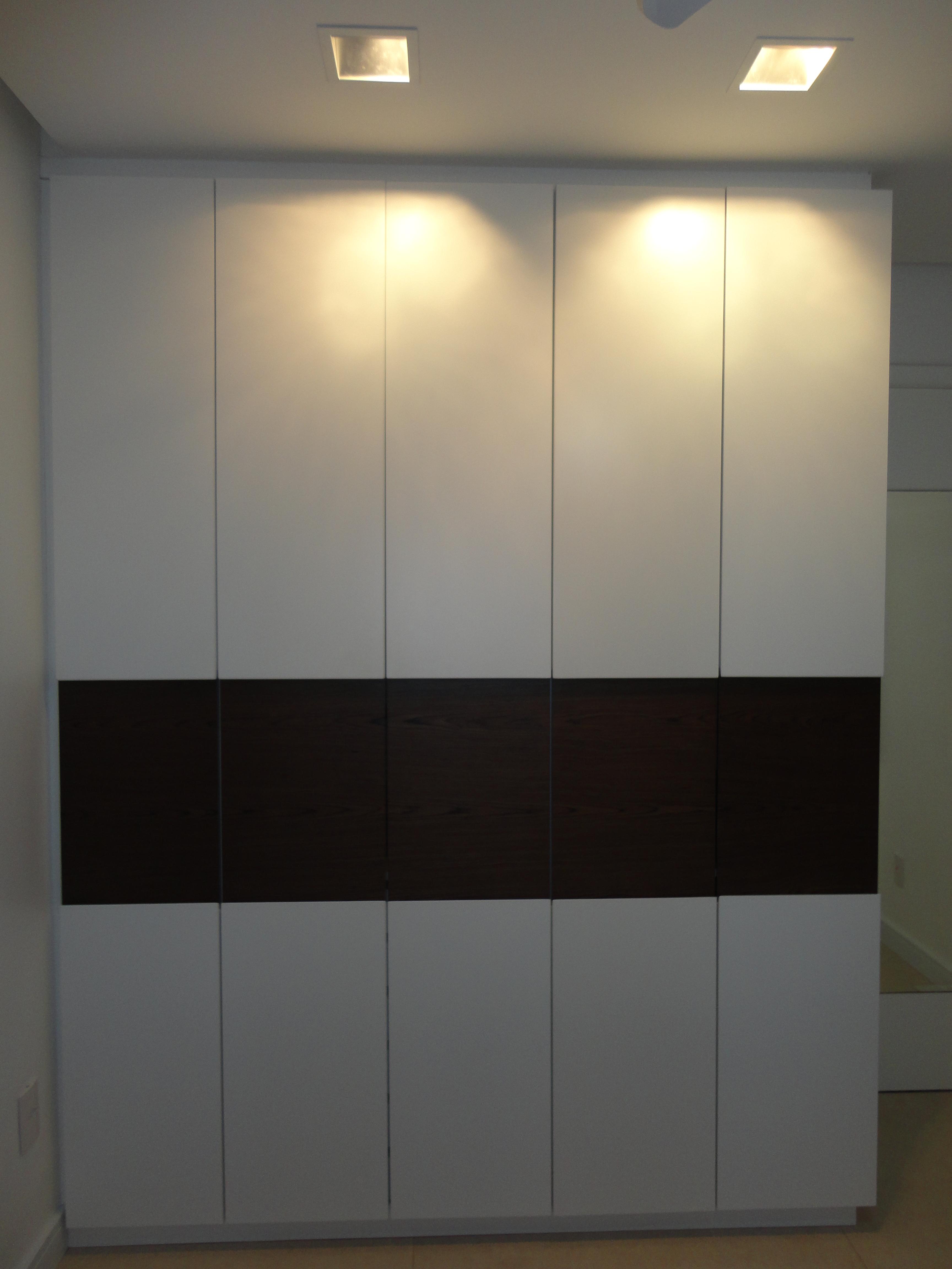 Não muito diferente dos quartos os banheiros também foram  #BE9C0D 3456x4608 Banheiro Com Pastilhas Amarelas